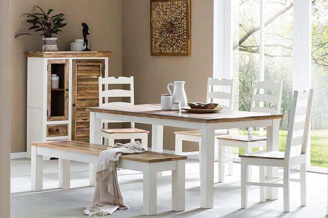 Hoe stijl je witte eetkamerstoelen?